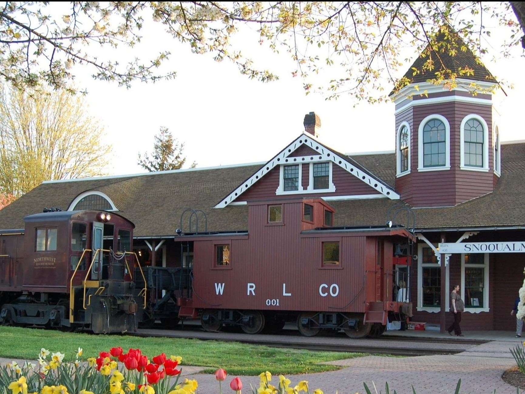 Snoqualmie Depot in Spring