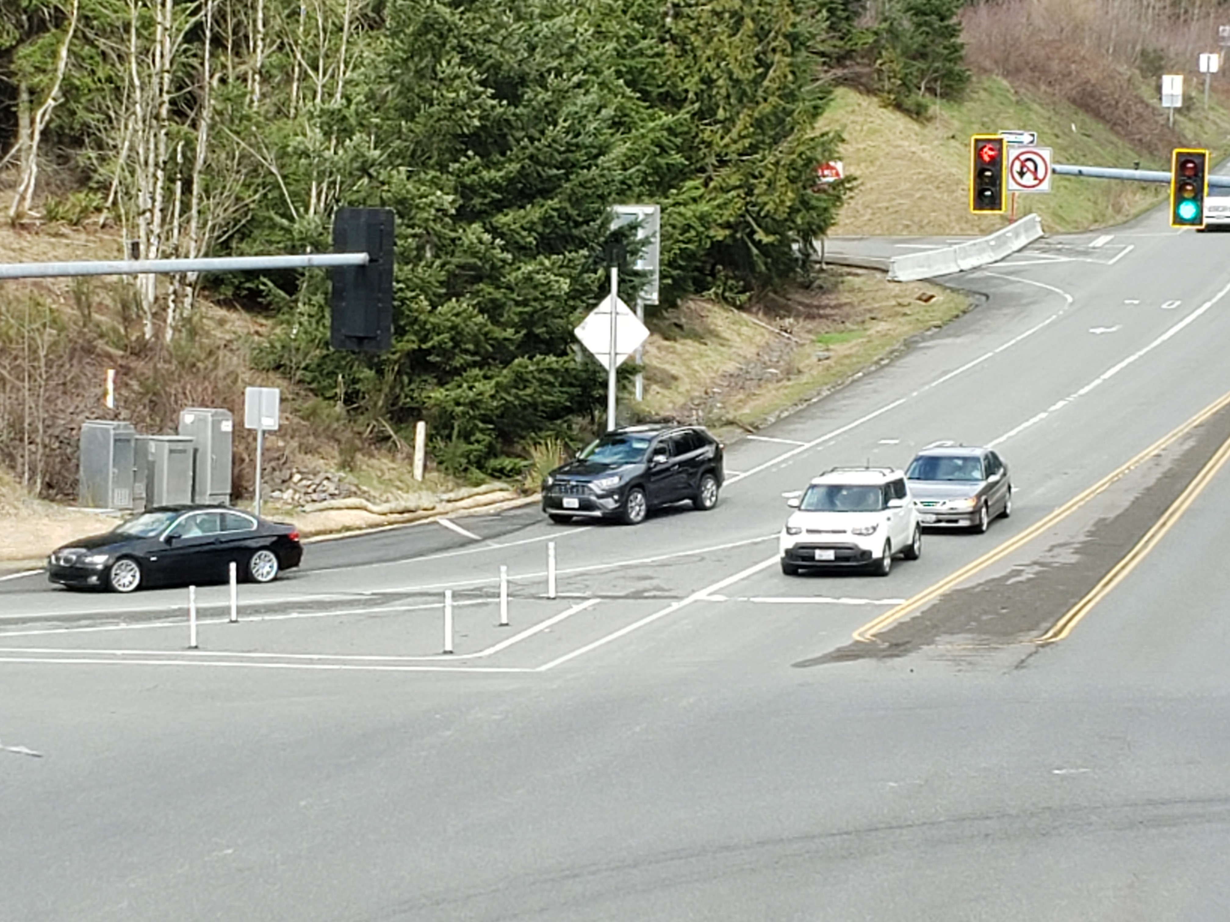 This is a picture of the dedicated on-ramp at I-90 and SR-18 from Snoqualmie Parkway