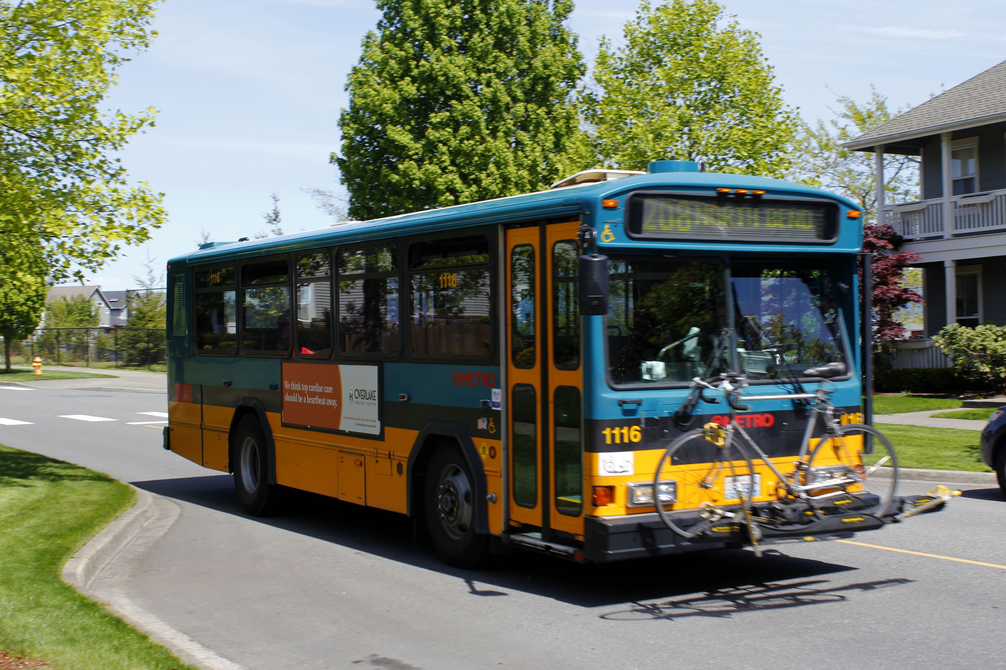This is a picture of a Metro Bus in Snoqualmie.